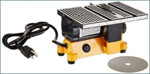 outdoor-sport-01-0819-mini-electric-table-saw-300x148-1